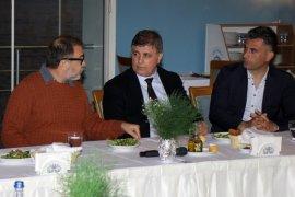 Kaf Kaf'a belediye başkanından moral yemeği