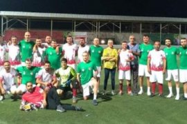 Karşıyaka Belediyesi'nde futbol heyecanında grup aşaması sona eriyor