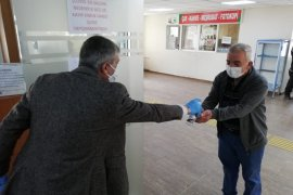 Karşıyaka Nüfus Müdürlüğü'nde olağanüstü hijyen önlemleri alındı