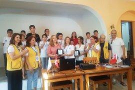 İzmir Karşıyaka Çarşı Lions Kulübü bir ilki gerçekleştirdi