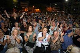 Karşıyaka'da Balkan rüzgarları esti