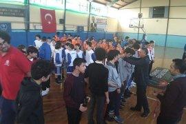 Erkekler Basketbolda Karşıyaka Bilnet Koleji şampiyon