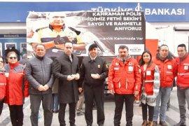 Karşıyaka'da Türk Kızılay şehit Sekin anısına lokma döktürdü