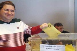 Karşıyaka adayları oylarını kullandı