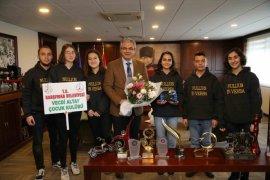 Karşıyaka'nın bilim kahramanları şampiyon oldu