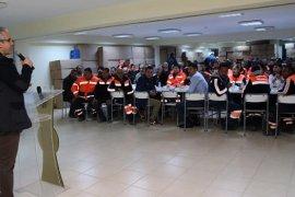 Başkan Akpınar temizlik işcileriyle kahvaltı yaptı