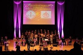 Karşıyaka Halk Eğitim  Merkezi TSM Korosu'ndan muhteşem konser
