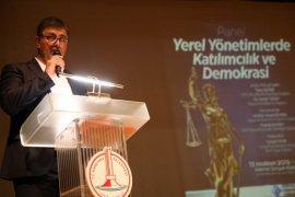 Başkanlardan Karşıyaka'da demokrasi buluşması