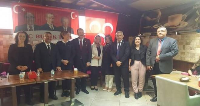 MHP'li Yöneticiler, Karşıyakalılarla kahvaltıda buluştu