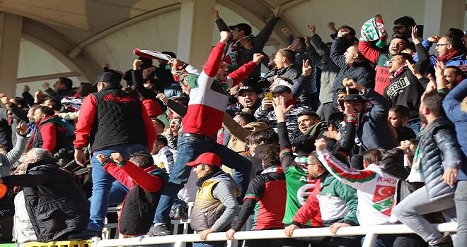Karşıyaka'ya futbolda seyircisiz oynama cezası
