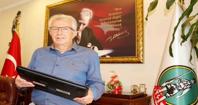 Başkan Eriş'ten uzaktan eğitime destek için çağrı