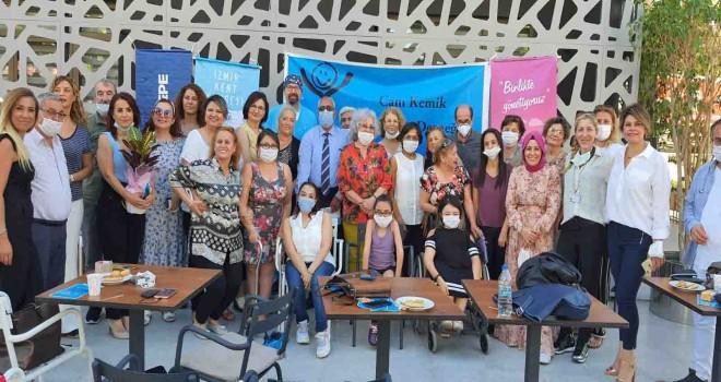 Cam Çocuklara İzmir Kent Konseyi'nden ''Candan'' destek...