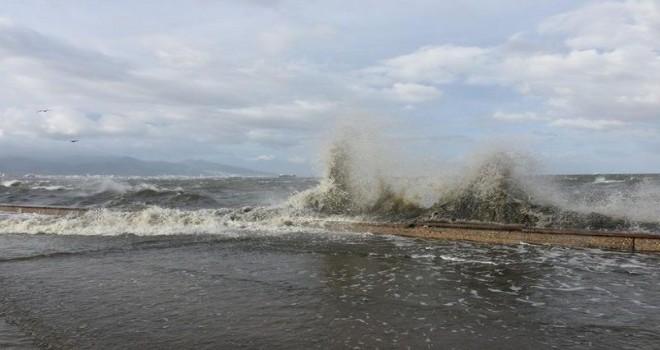 Karşıyaka'ya kuvvetli rüzgar uyarısı