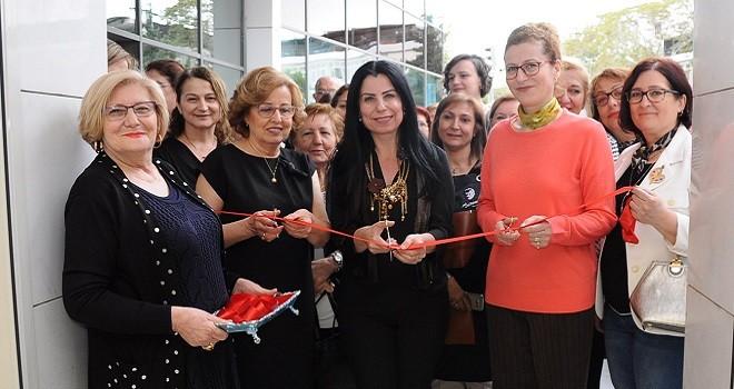 Karşıyaka Halk Eğitim Yağlı boya resim sergisi açıldı