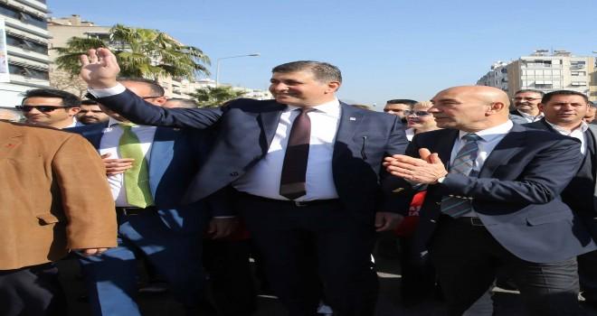 Karşıyaka'da demokrasi konuşulacak