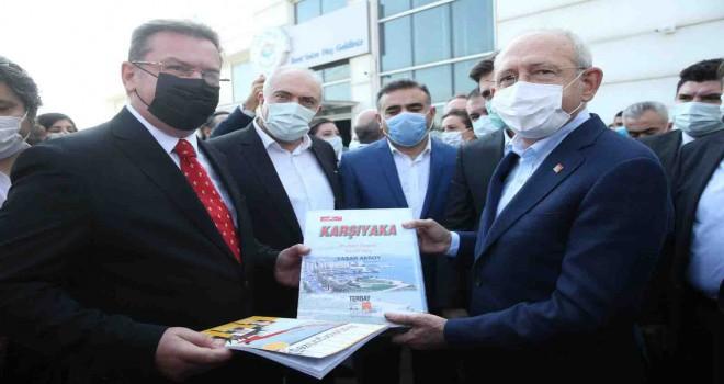 Baysak ailesinden Kılıçdaroğlu'na Karşıyaka kitabı