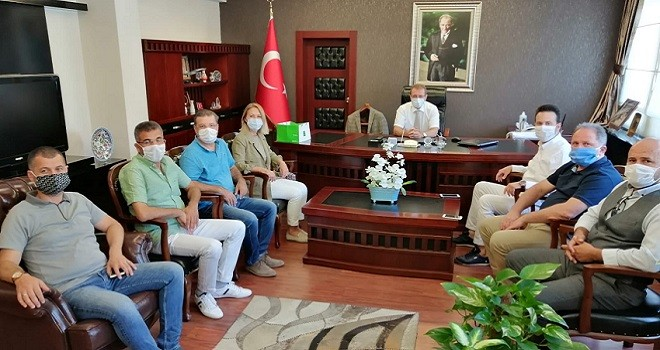 Ak Parti Karşıyaka, Kaymakam Çalışır'la bayramlaştı