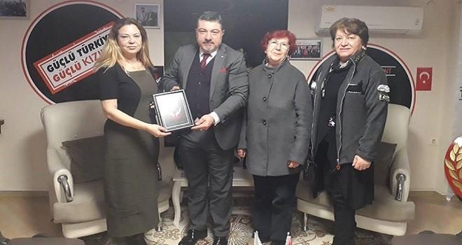 Türkiye Yardım Sevenler Derneği Başkanı Kızılay'ı ziyaret etti
