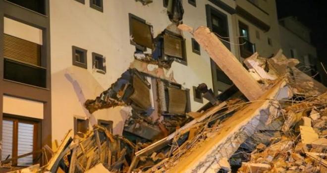 Bakan Kurum'dan Karşıyaka'da yıkılan bina ile ilgili açıklama