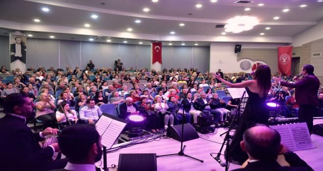 Atatürk'ün sevdiği şarkılar hep bir ağızdan söylendi