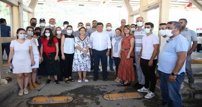 Başkan Tugay çalışanlarıyla bayramlaştı