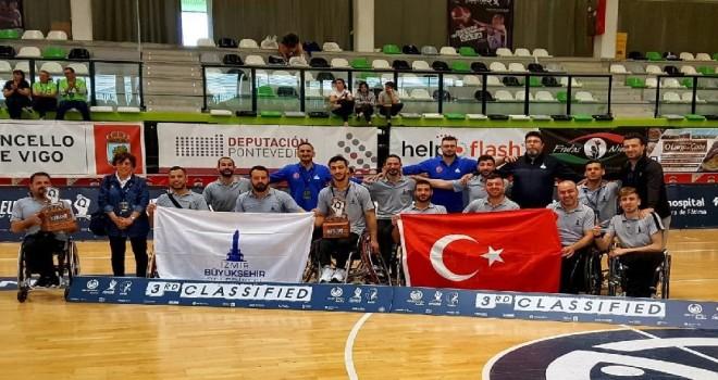İzmir Bşb. Tekerlekli Sandalye Basketbol Takımı Avrupa üçüncüsü oldu