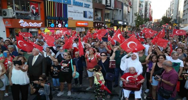 Karşıyaka'da 30 Ağustos Zafer Bayramı coşkuyla kutlandı