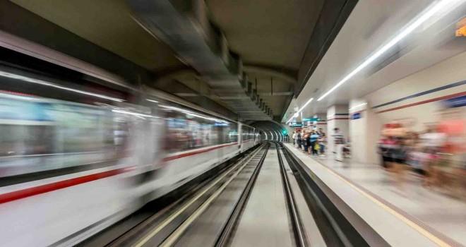 Metro istasyonlarında ücretsiz internet dönemi başladı