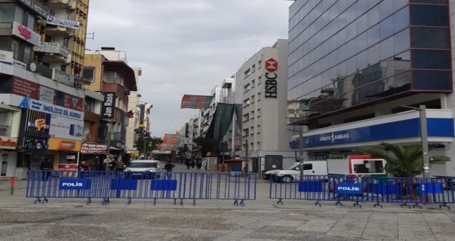 Karşıyaka Çarşısı'na girişler sınırlandırıldı