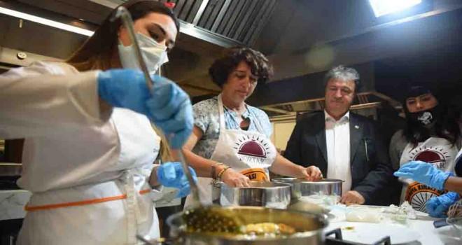 Bornova Kınalı Bamyası usta aşçıların elinde lezzet buldu