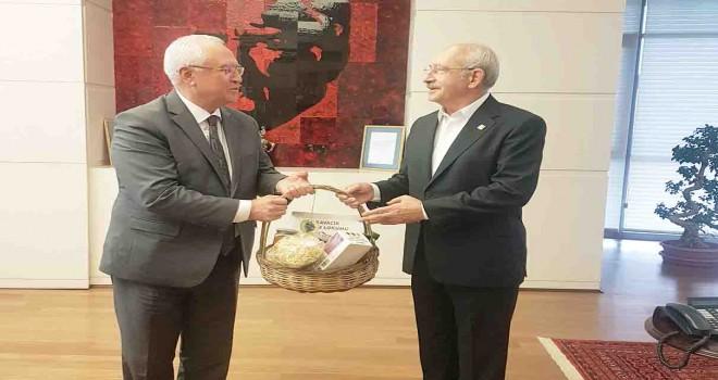 Başkan Selvitopu'ndan Kılıçdaroğlu'na açılış ve temel atma daveti