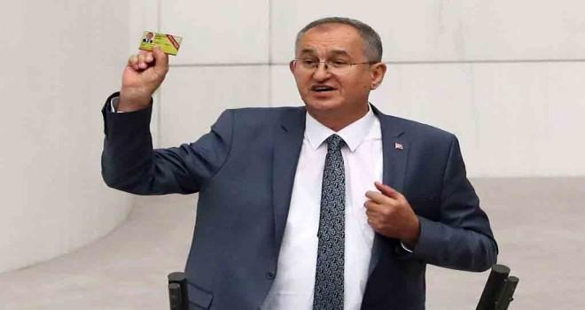 CHP'li Sertel: Basın kartlı gazeteci sayısı iki yılda geriye gitti