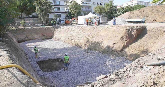 Karşıyaka'da Alzheimer Merkezi'ne ilk beton atıldı