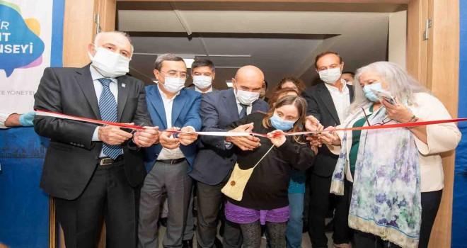 İzmir Kent Konseyi'nin yeni hizmet binası açıldı