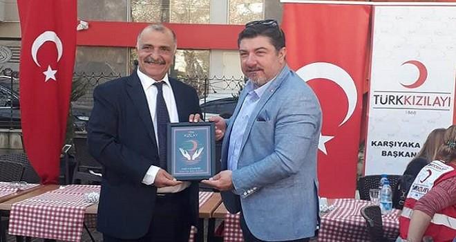 Yılmaz Durmaz'a Kızılay'dan onur plaketi