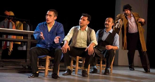 İzmir Şehir Tiyatroları perdelerini yeniden açtı