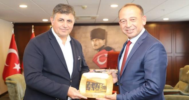 Turgutlu Belediye Başkanı Akın'dan Başkan Tugay'a ziyaret