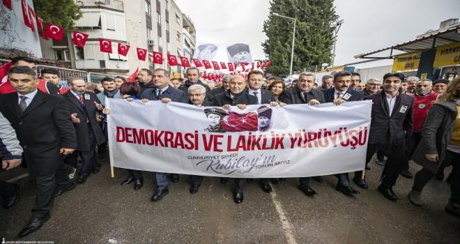İzmirliler Kubilay ve arkadaşlarını andı