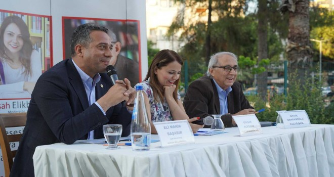 Kent'te Sanat Söyleşileri'ne Behramoğlu ve CHP Mersin Milletvekili Başarır konuk oldu
