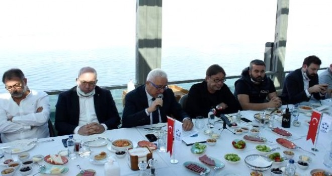 İzmir'in profesyonel futbol kulüpleri buluştu...