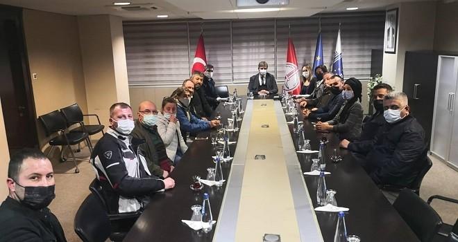 Alaybey Esnafı Başkan Tugay'ı ziyaret etti