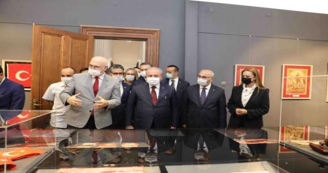 Türkiye'nin ilk Bayrak Müzesi İzmir'de açıldı