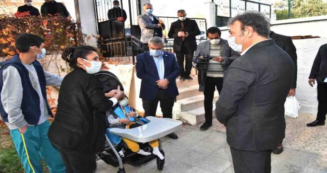 Engelli çocuklara özel puset