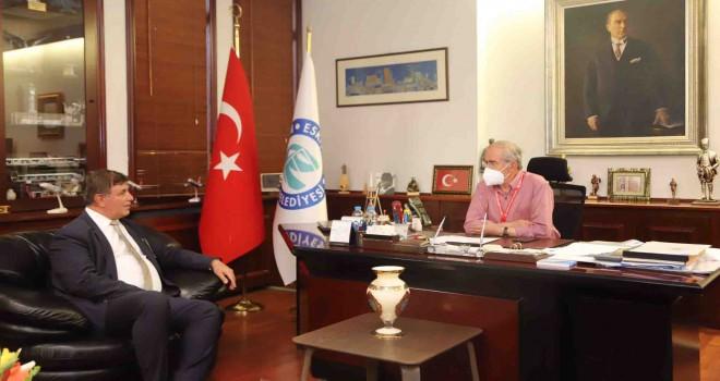 Başkan Tugay, Yılmaz Büyükerşen'i ziyaret etti