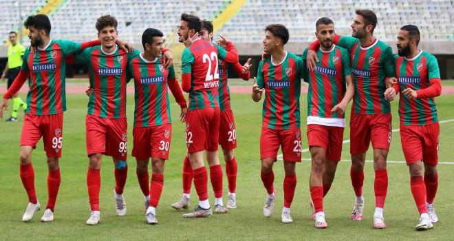 Karşıyaka, Osmaniyespor FK'yı konuk ediyor