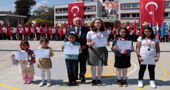 Çocuklar Atatürk sevgisini anlatacak