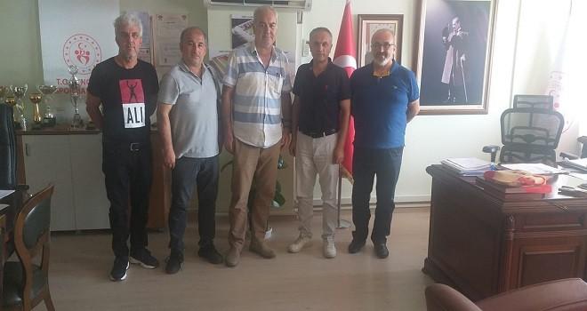 Karşıyakalı amatörler Müdür Yelek'i ziyaret etti