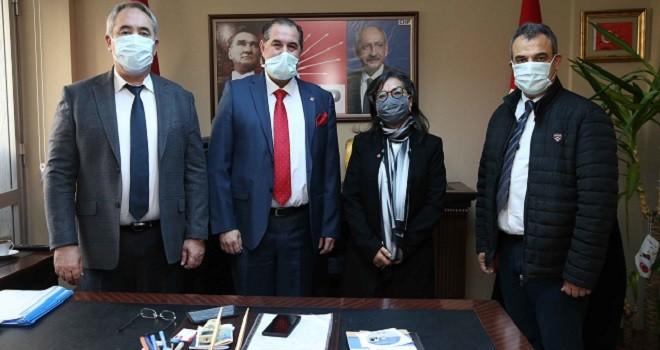 CHP Karşıyaka'dan iki iş insanı üye kaydı yaptı