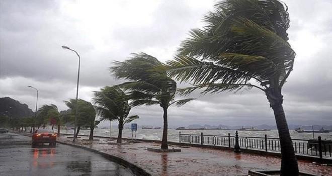 İzmir Valiliği'nden uyarı: Bölgemizde Fırtına Bekleniyor!