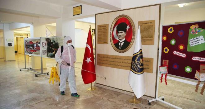 Çiğli'de okullara dezenfekte